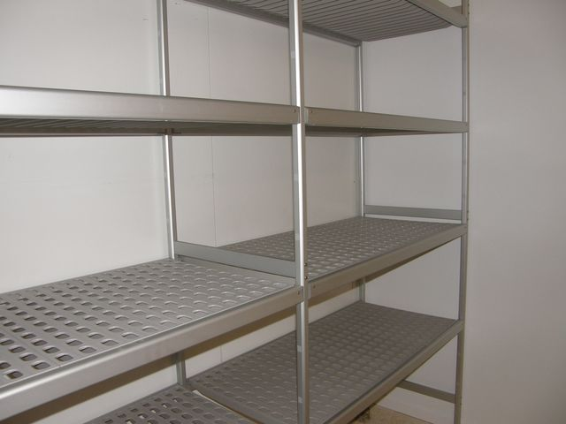 Rayonnage alimentaire comparer devis fournisseur for Rayonnage chambre froide